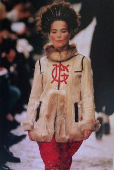 Na passarela de Jean Paul Gaultier em 1994.