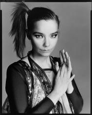 Björk em 2004, ano do álbum MEDULLA ©Richard Avedon